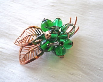 LOUIS ROUSSELET – Handmade brooch pin floral theme two leaves adorned with emerald green glass beads