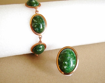 Set bracelet and ring oval shaped links and bezel copper colored metal with green marbled imitation gemstone cabochons