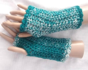Crochet Fingerless Wrist Warmers-Teal & Cream