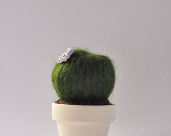 Mini cactus amigurumi crochet handmade with flower in a small flower pot  - Lady Cactus - size XS