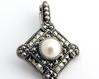 SaLe! sALe! Hematites Pendant Pearls Sterling Silver