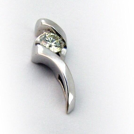 Sirena Diamond Solitaire Pendant 14 K White Gold