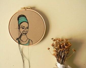 VENTE 20 % moderne broderie d'Art de cerceau, Portrait de Nina Simone, Embroidey minimaliste, Art mural, portrait personnalisé, idées de décoration maison