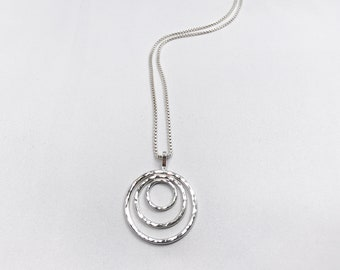 Silver triple circle necklace, hammered 3 circle necklace, Scandinavian style necklace