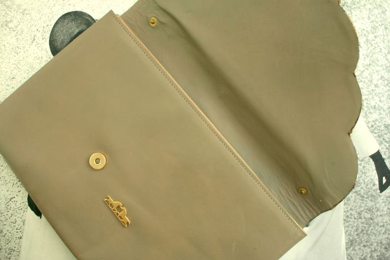 Vintage RUBINI Taupe Snakeskin Clutch Purse Handbag