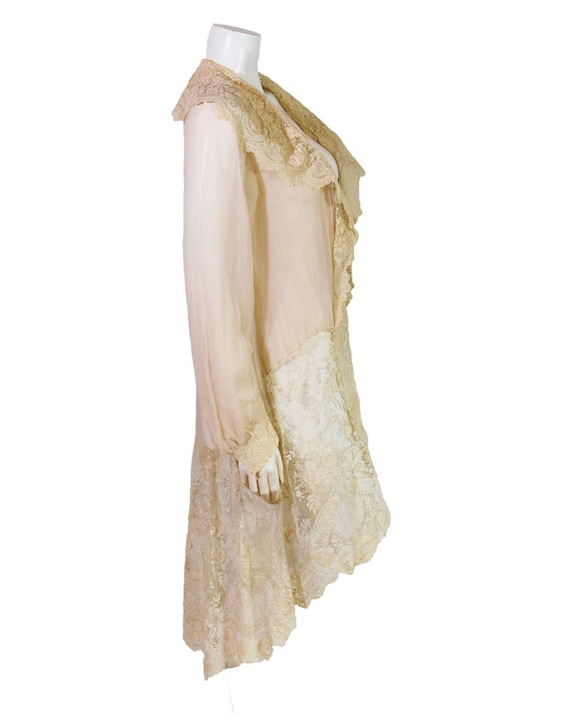 Vintage 1920s Champagne Crepe Silk & Lace Robe