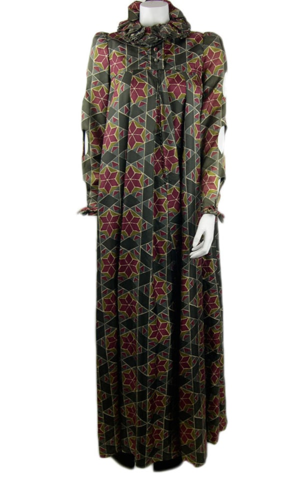 "Vintage Jean Varon ""Elizabethan"" Printed Full Leng"