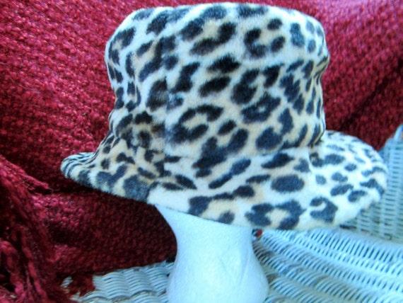 Faux Fur Bucket Hat/Vintage Ladies Bucket Hat/Faux