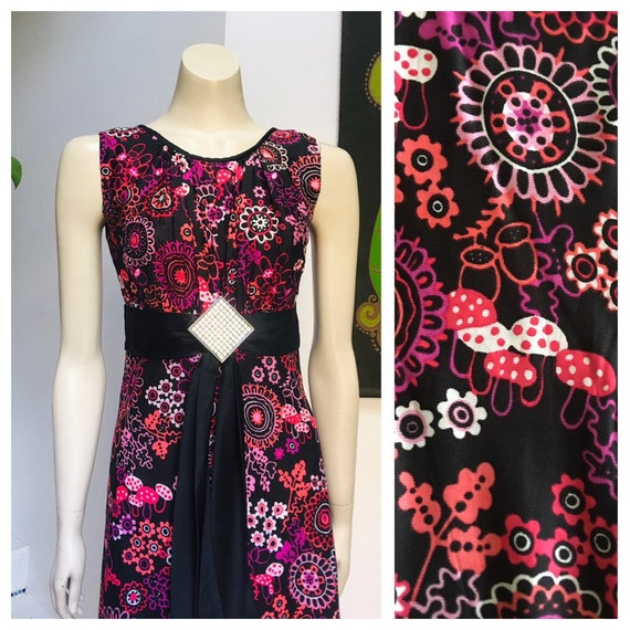 Vintage 70s MUSHROOM flower print maxi dress S