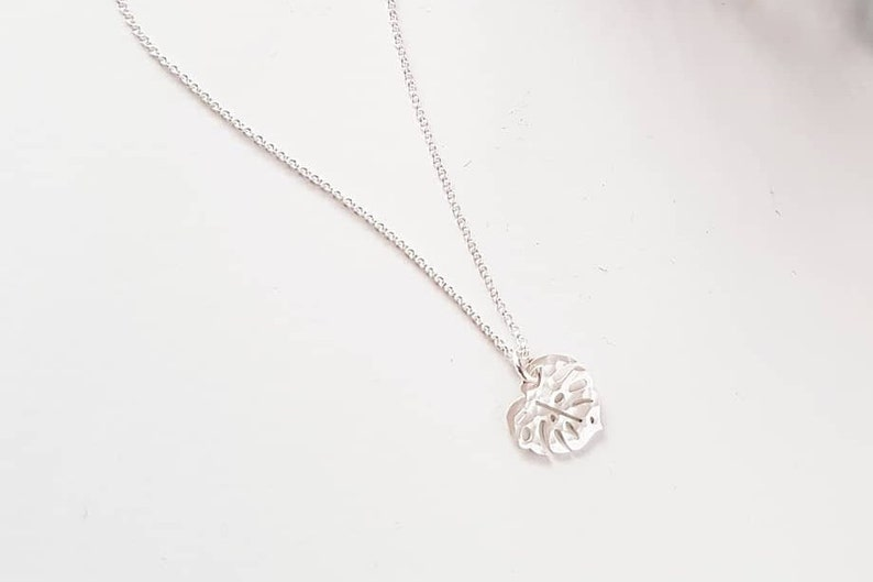 DELICIOSA Sterling Silver Necklace  Monstera Necklace  image 0