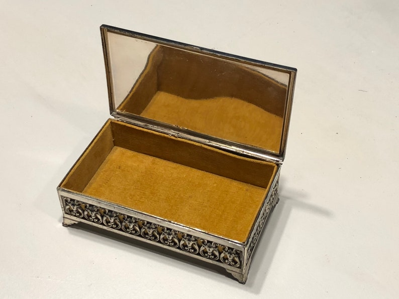 Old World\u201d Jewelry Box gold velvet lined with Victorian silk print on lid.