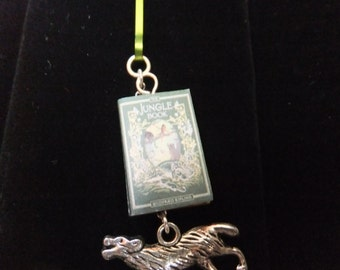 The Jungle Book Book Zipper Pull - Great Gift for Book Lovers!