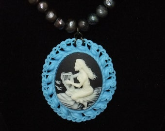 Ocean Harpist Cameo Necklace