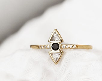 Minimalist Geometric Ring - Triangle Ring - Minimalist - Gold Band Ring - Geometric Crystal Ring - R02-G