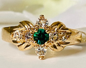 Vintage 14 KT Gold Plated Emerald Green and Clear Crystal Cluster Ring