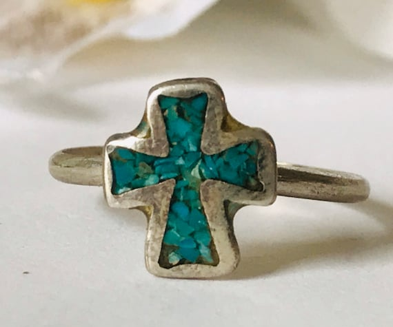 Vintage Inlaid Turqouise Chips Silvertone Cross Ring Vintage Pinky Ring Sizes 4