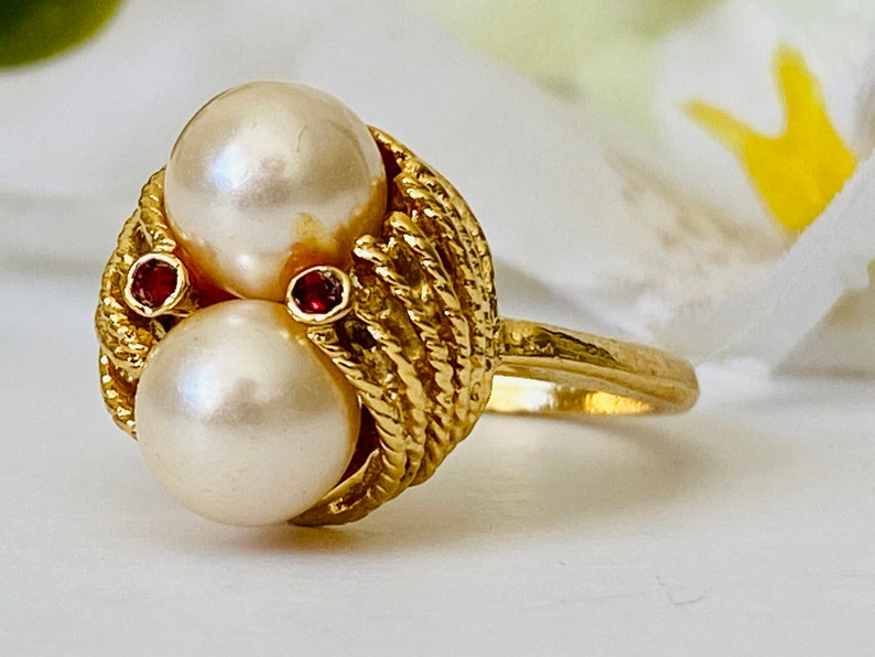 Vintage Faux Pearl Red Crystal and Braided Gold Tone Dome Ring Size 7