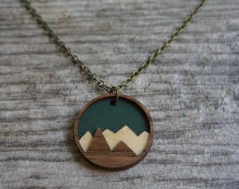 Wood Mountain Necklace - Green - 3D, Layered