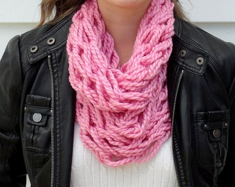 Circle Scarf - Handmade Scarf - Pink Scarf - Knit Infinity Scarf - Knit Scarf - Chunky Knit Scarf - Infinity Scarf - Chunky Infinity Scarf