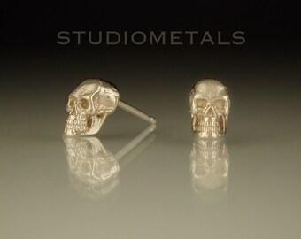 Skull Earrings, Gold Skull Studs, 14K Gold Earrings, Skull Stud Earrings, Solid Gold Skulls, Small Skull Earrings, Anatomical Skulls, E127
