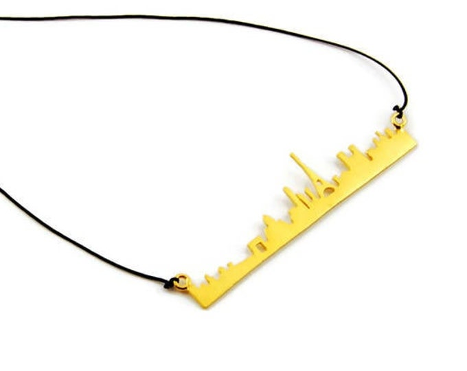When in Paris Minimal Statement Necklace