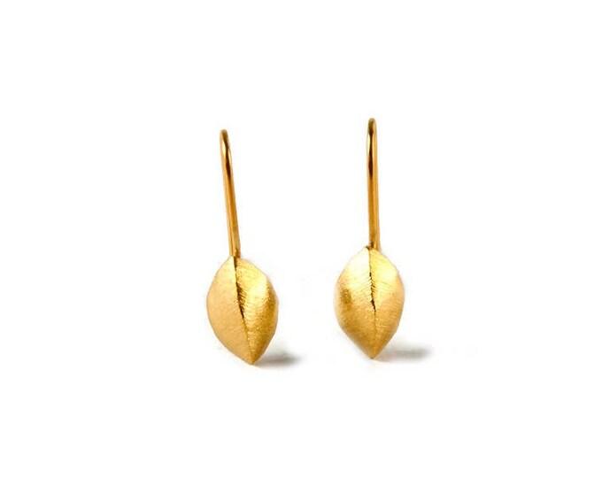 The Leaves Dangle Elegant Earrings