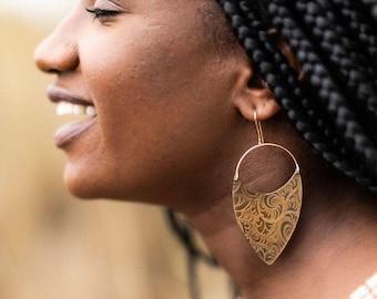 Amber Art Nouveau Brass Earrings / 14K Gold / Boho Earrings /Festival Fashion / Tribal Jewelry / Etched Brass / Edwardian Jewelry