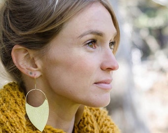 Art Nouveau Brass Earrings / 14K Gold / Boho Earrings /Festival Fashion / Tribal Jewelry / Etched Brass / Edwardian Jewelry