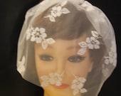 Bridal veil.Lace Birdcage veil top comb.Flowery lace Blusher veil,10 inch Lace TulleVeil. Bridal birdcage veil,Top comb Veil,Hair accessory,
