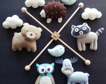 """Baby mobile woodland, Forest nursery mobile, felt animals mobile, Woodland nursery decor, Nursery mobile, bear mobile, """"Forest friends 12"""""""