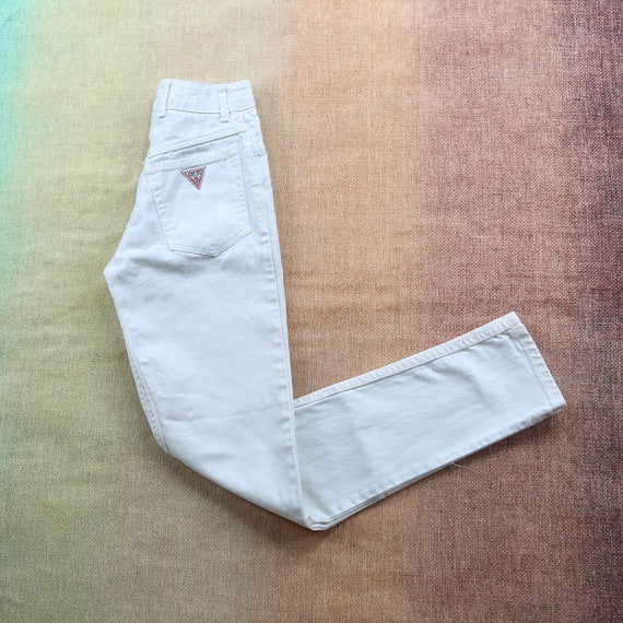 """Vintage Guess White High Waisted Jeans waist 22"""""""