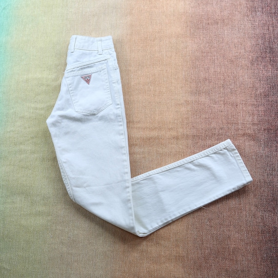 "Vintage Guess White High Waisted Jeans waist 22"" - image 1"