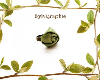 "Ring ""Green Rose"" satin"