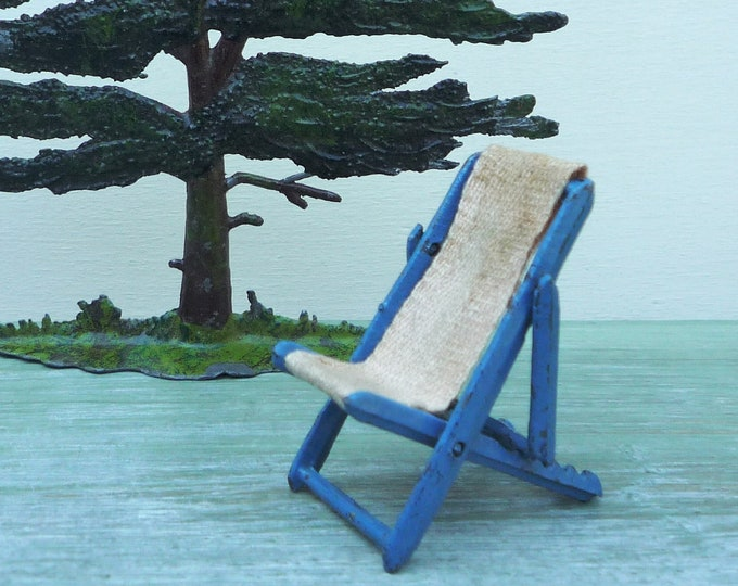 Miniature Vintage Deckchair for the Dolls House, Taylor & Barrett 1920s 1930s Lead Garden Furniture