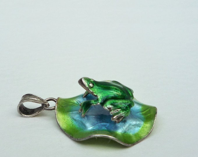 Frog on Lilypad Pendant or Charm, Vintage Silver & Enamel Jewellery