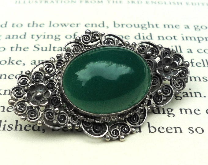 Antique Silver Brooch with Green Agate Cabochon, Vintage Filigree Pin