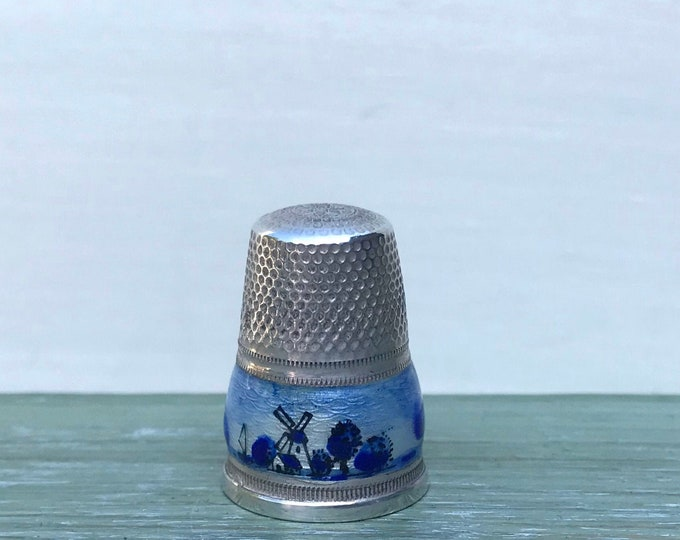 Delft Style Vintage Sterling Silver Thimble with Blue & White Enamel