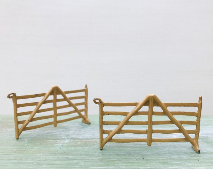 Vintage Britain's Miniature Lead Farm Hurdle Fence Panels