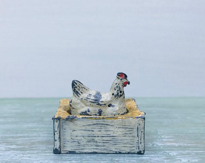 Britains Lead Farm Figure Hen & JoHillco Nest Box, Hollow-cast Chicken