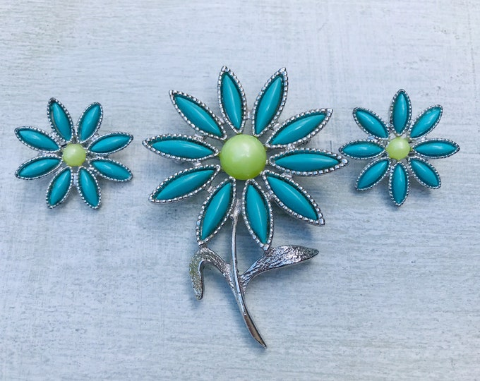 Sarah Coventry Daisy Time Brooch & Clip On Earrings 6385 1960 Jewelry