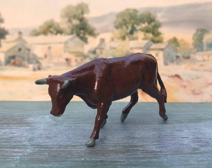 Vintage Britain's Miniature Lead Farm, Post War Bullock ref 573, Hollow-Cast Young Bull Animal Figure