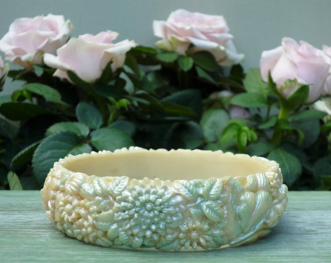 Vintage Celluloid Jewellery, Green & Pink Pastel Bracelet with Flowers