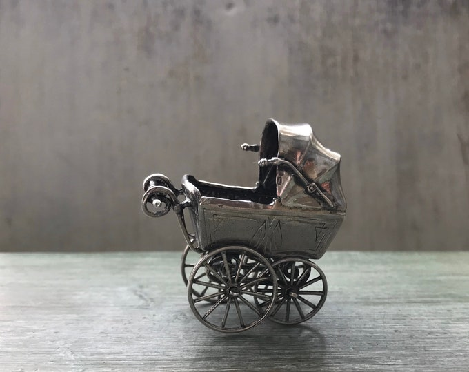 Miniature Silver Carriage Pram, Small Scale Vintage Dolls House