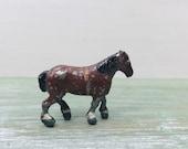 Britains Lilliput World Miniature Shire Horse, Miniature Lead Farm Animal, 1 quot 00 Scale Railway