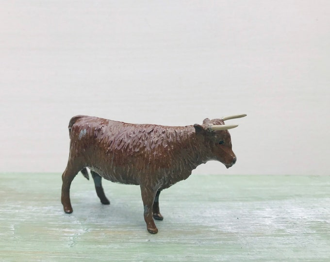 Vintage Britains Lead Farm, Highland Cattle, Miniature Brown Lead Bull