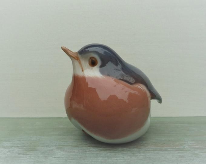 Vintage Royal Copenhagen Porcelain Robin 2266, Garden Bird Figurine