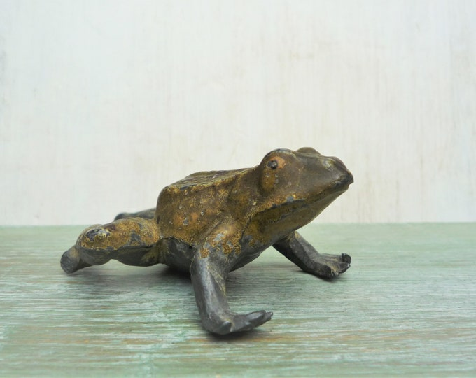 Vintage Britains Lead Garden Solid Frog 483B Large Scale Animal Figure