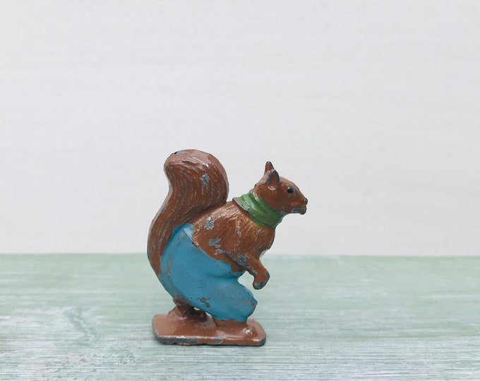 Cococubs Nutty Squirrel, Britain's / Cadbury Tiny Lead Animal Figure