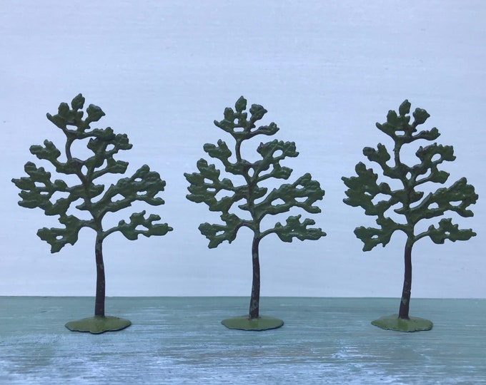Vintage Britain's Miniature Lead Tree 640, Model Farm Garden Accessory