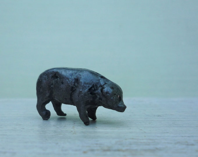 Pre War Britains Era Solid Lead Pig, Miniature Farm Animal Figure